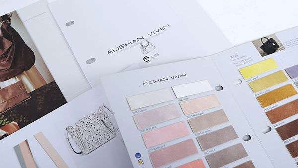 产品样板色卡折页效果让人惊艳的排版